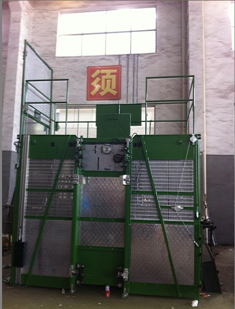 Personalized Goods Material Personnel Hoist for Chemical Industries