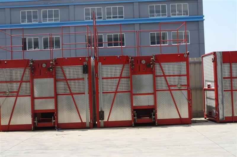 Painted / Hot Dipped Zinc Construction Hoist Rental 1000kg  - 3200kg