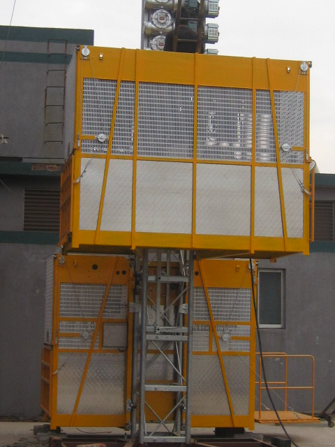 VFD Building Cage Hoist Lifting Twin Cage 3200kg with High Speed