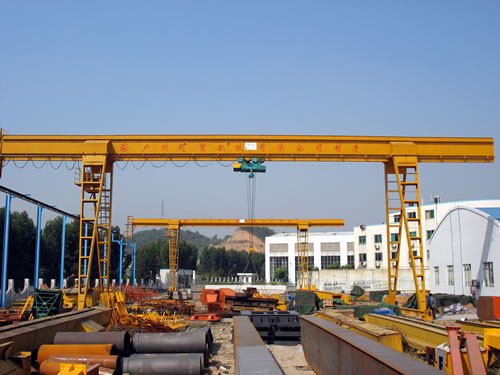 General Purpose Electric Overhead Gantry Crane With 2.5 - 100t Rated Capacity, 30m Span